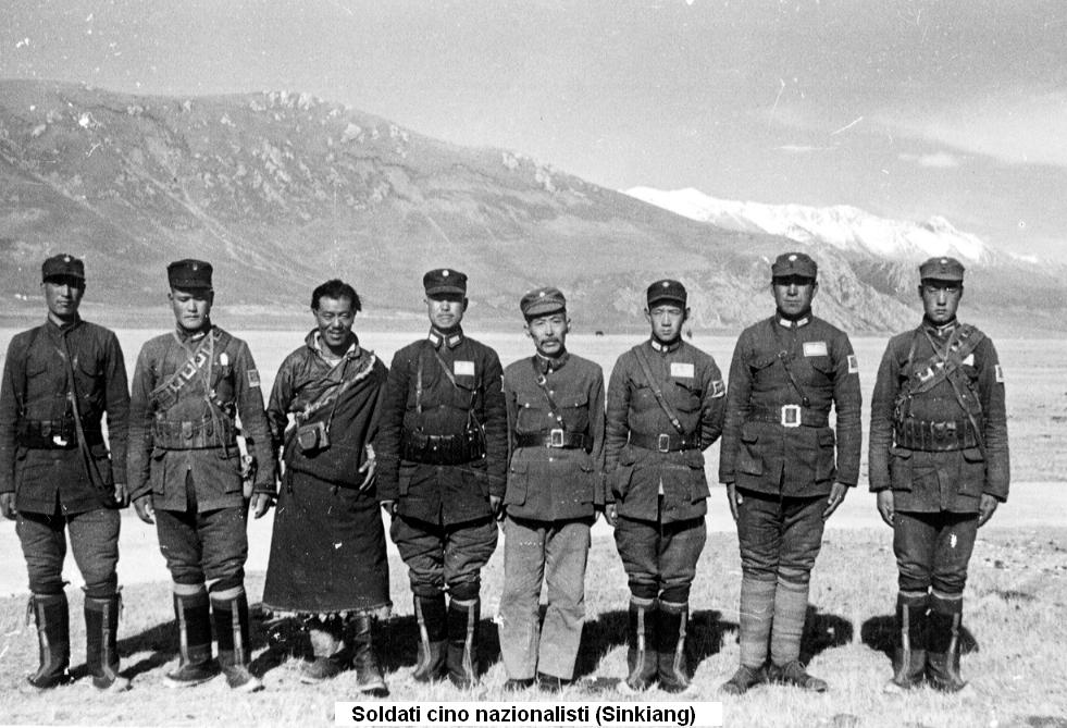 soldati cino nazionalisti sinkiang